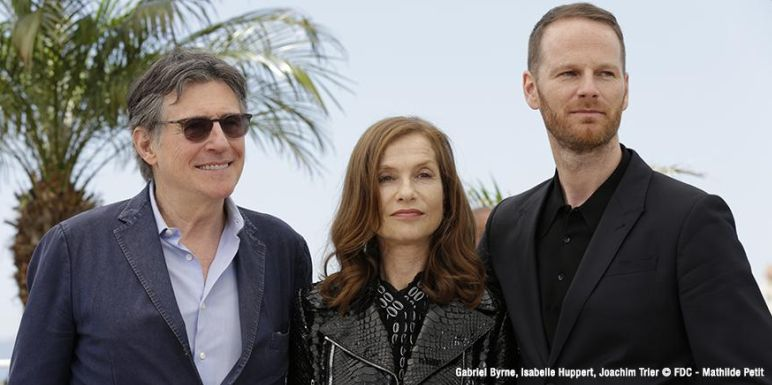 louderthanbombs-photocall-cannes2015-02
