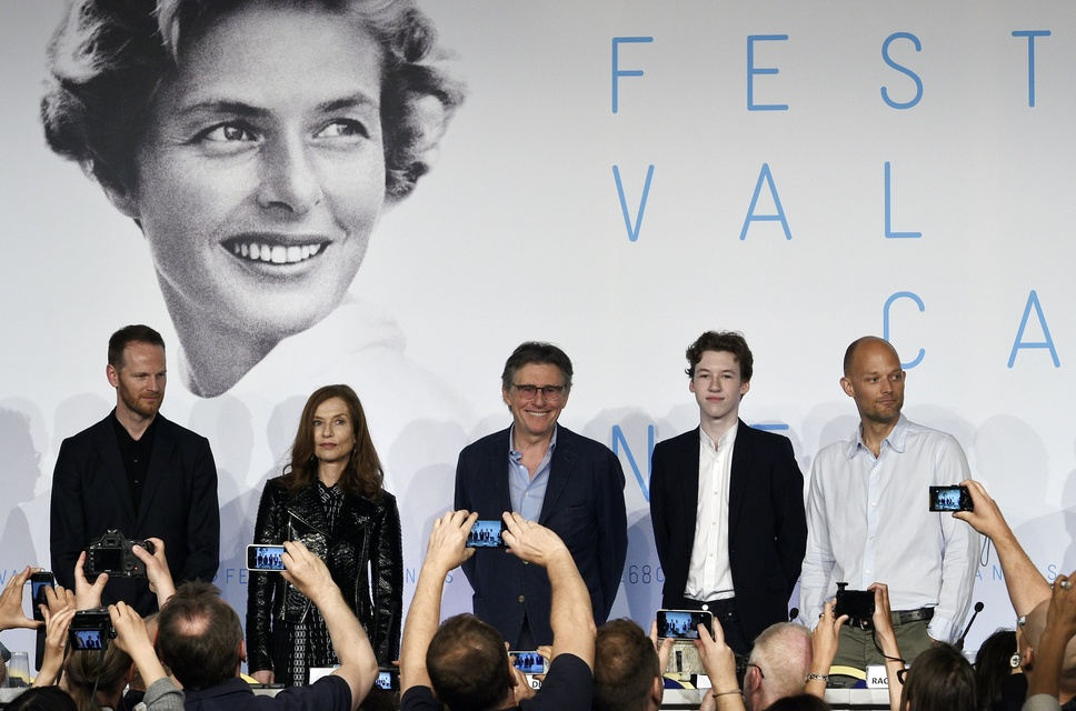louderthanbombs-press-conference-cannes2015-02