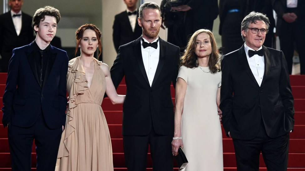 "(From L) US actor Devin Druid, US actress Rachel Brosnahan, Norwegian director Joachim Trier, French actress Isabelle Huppert and Irish actor Gabriel Byrne pose as they arrive for the screening of the film ""Louder than Bombs"" at the 68th Cannes Film Festival in Cannes, southeastern France, on May 18, 2015. AFP PHOTO / LOIC VENANCE"
